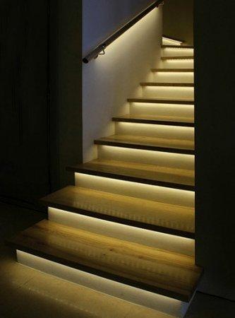 آموزش نورپردازی راه پله
